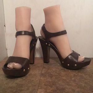 Fioni retro look platform heels sz 7